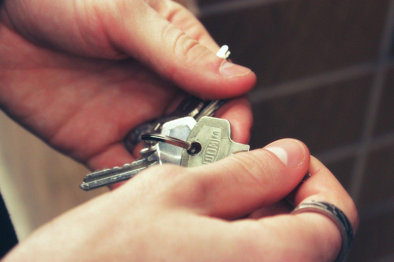 keys, hands, house-2251770