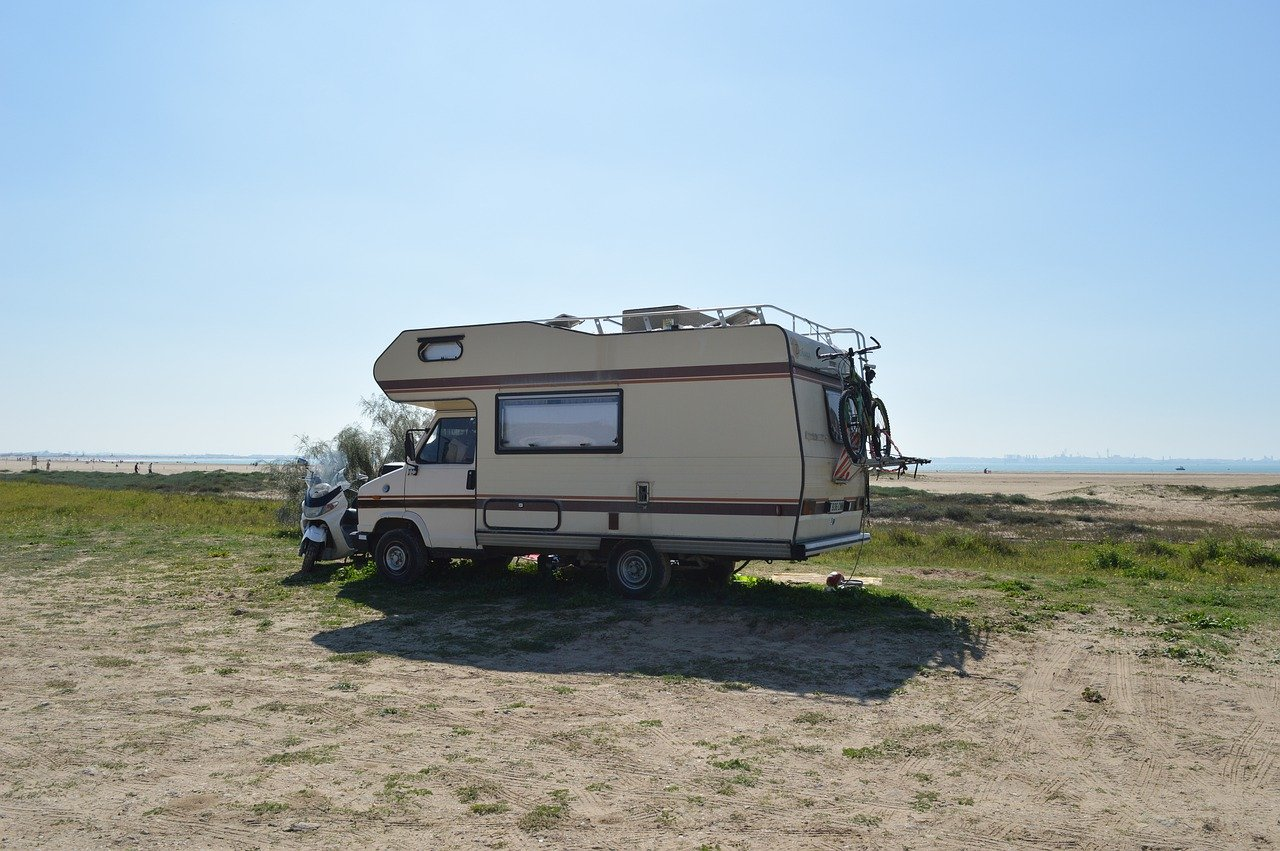 machine, motorhome, trailer-5053819